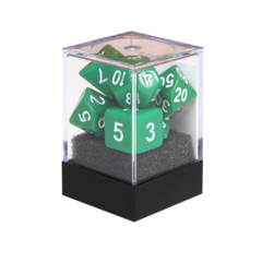 Набор разногранных зеленых кубиков