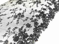 Вышивка на сетке, 19,5 см, черный, цветочки 3D, правая сторона, м