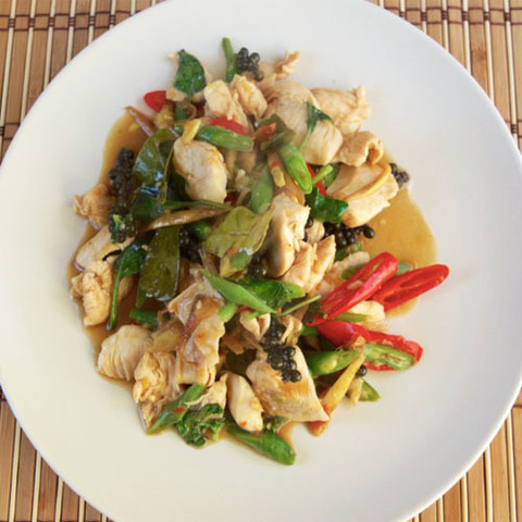 https://static-ru.insales.ru/images/products/1/2352/78637360/pad_cha_chicken.jpg