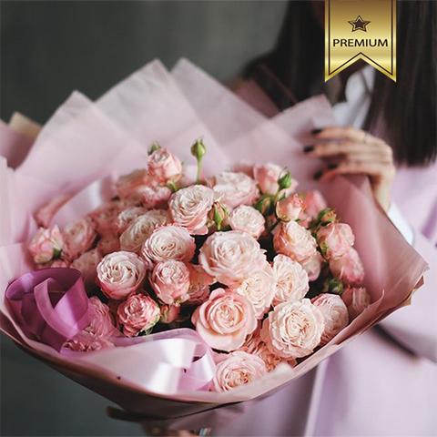 Букет 19 кустовых пионовидных роз Madam Bombastic