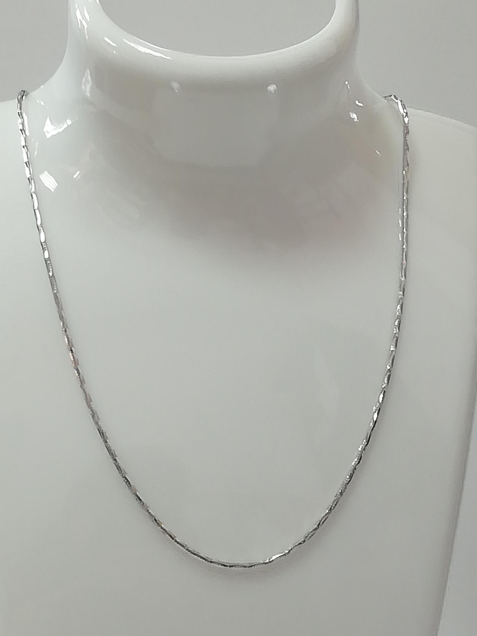Снейк с алмазными насечками (серебряная цепочка )