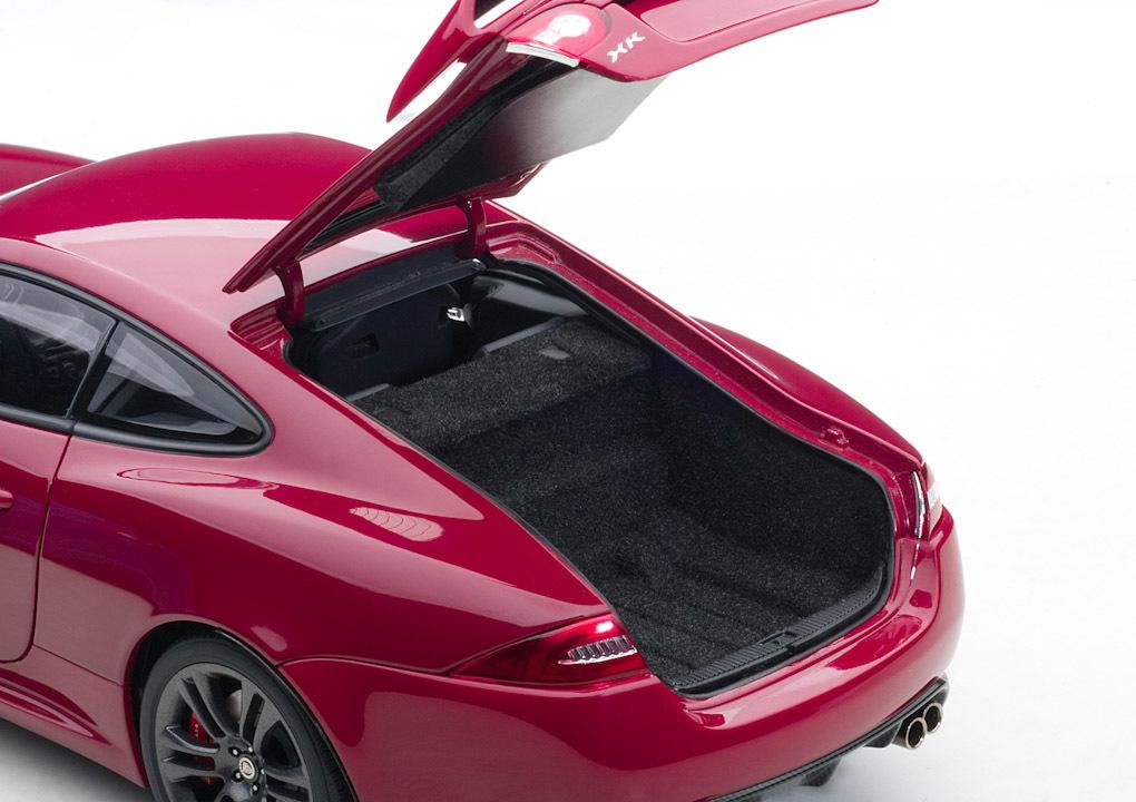 Коллекционная модель Jaguar XKR-S Italian Racing Red 2011