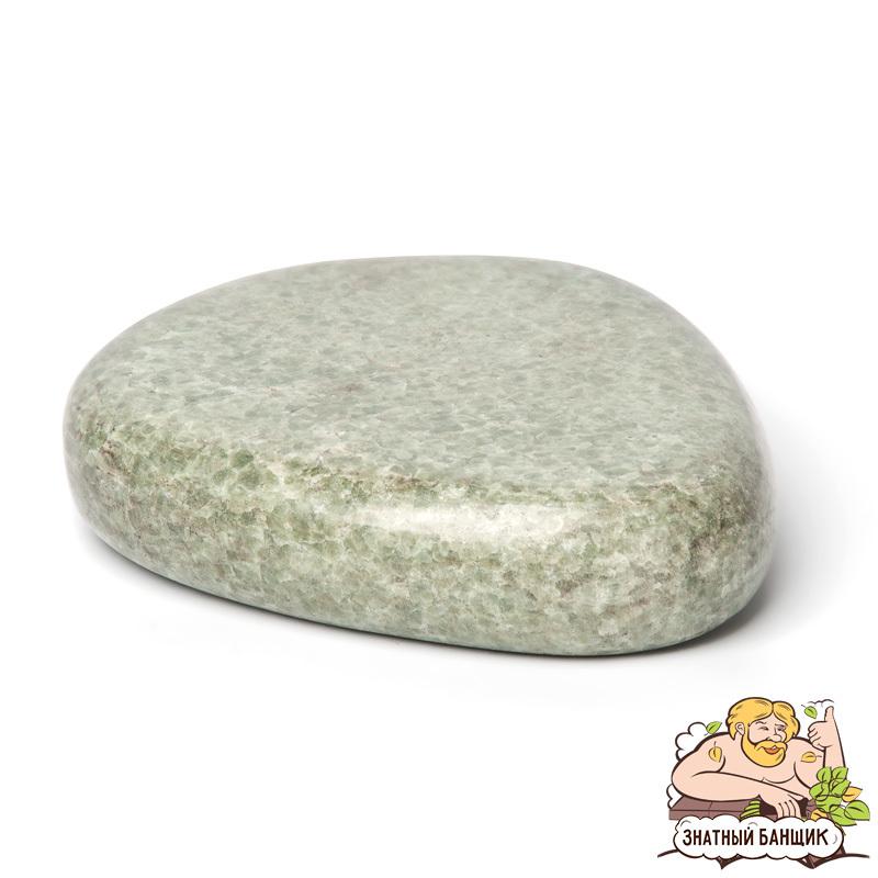 Камень большой крестцовый, жадеит