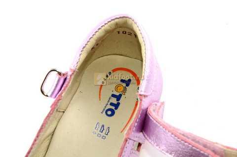 Туфли для девочек кожаные на липучке Тотто, цвет розовый металлик, 10210A. Изображение 11 из 12.
