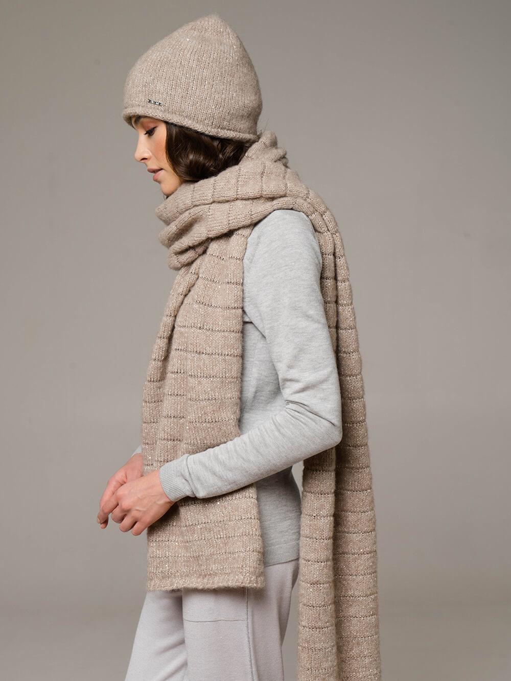Женский шарф песочного цвета из шерсти - фото 1