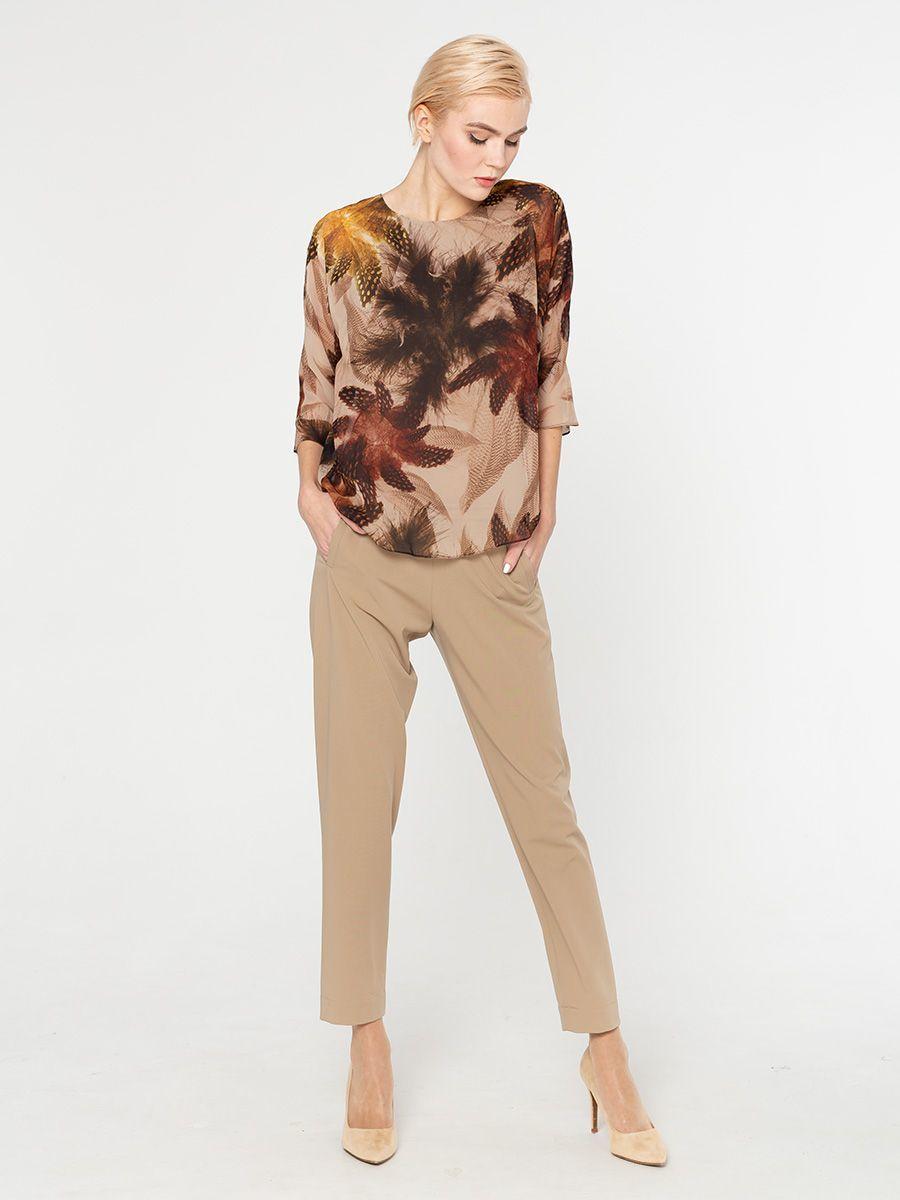 Блуза Г569-549 - Двухслойная блуза с принтом: верхний слой - шифон (ПЭ 100%), к телу - вискозный трикотаж. Сзади на шифоне разрез по всей длине.  Эта модель станет украшением вашего гардероба и поможет вам создать элегантные запоминающиеся луки