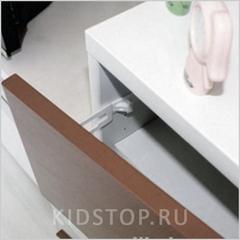 Пластиковая защелка для ящиков и шкафов (внутр.) 2шт./уп.