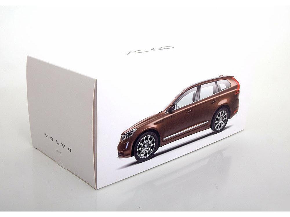 Коллекционная модель Volvo XC60 2015