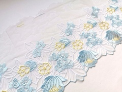 Вышивка на сетке, ЛЕВАЯ, 22 см, голубой/желтый, м