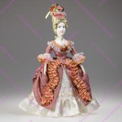 Кукла в костюме конца 18 века