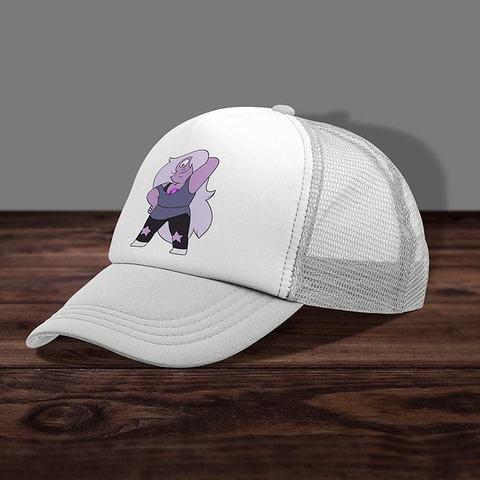 Белая кепка с сеткой