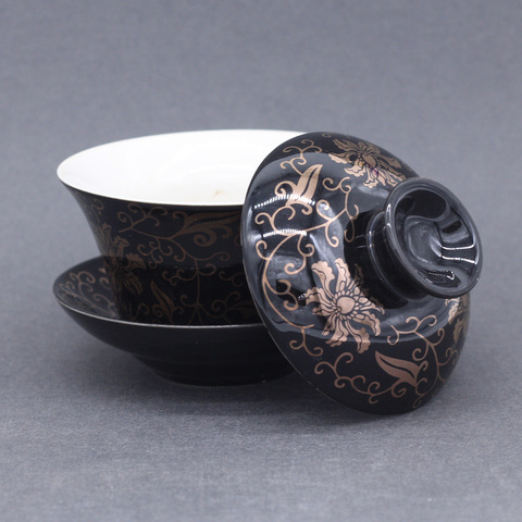 Гайвань черная с цветами, фарфор, 200 мл.