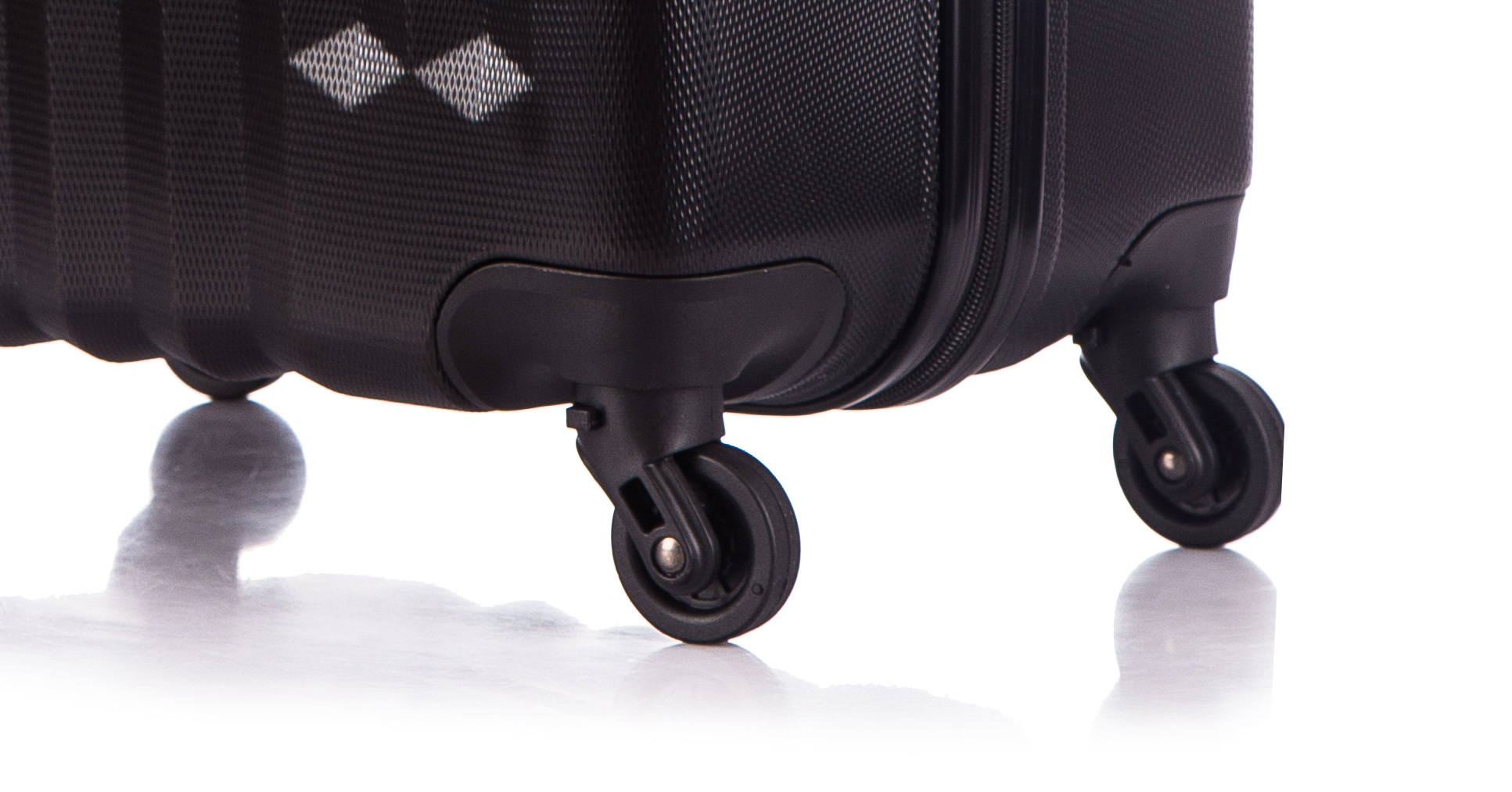 Чемодан со съемными колесами L'case Phuket-24 Черный (M+)