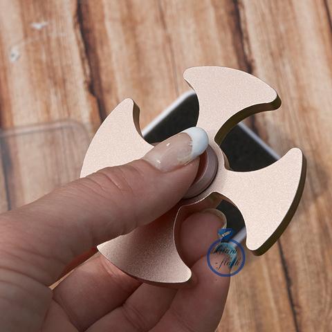 Спиннер из латуни в форме лепестков клевера 17010M