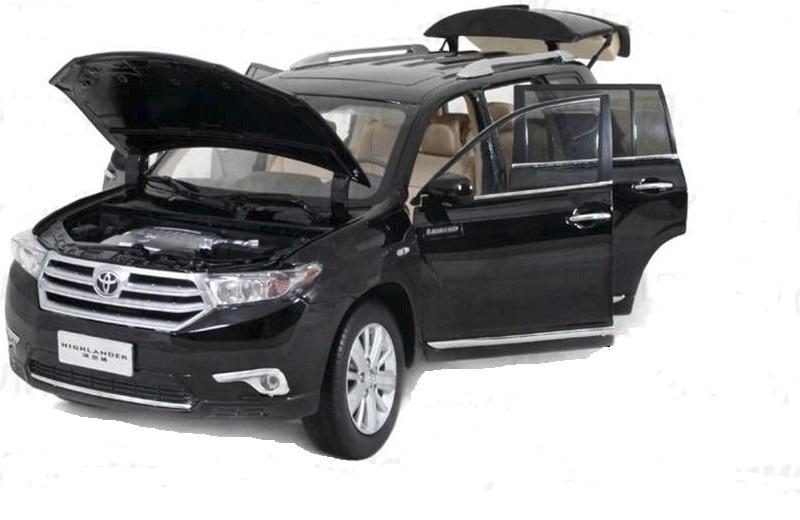 Коллекционная модель Toyota Highlander 2012
