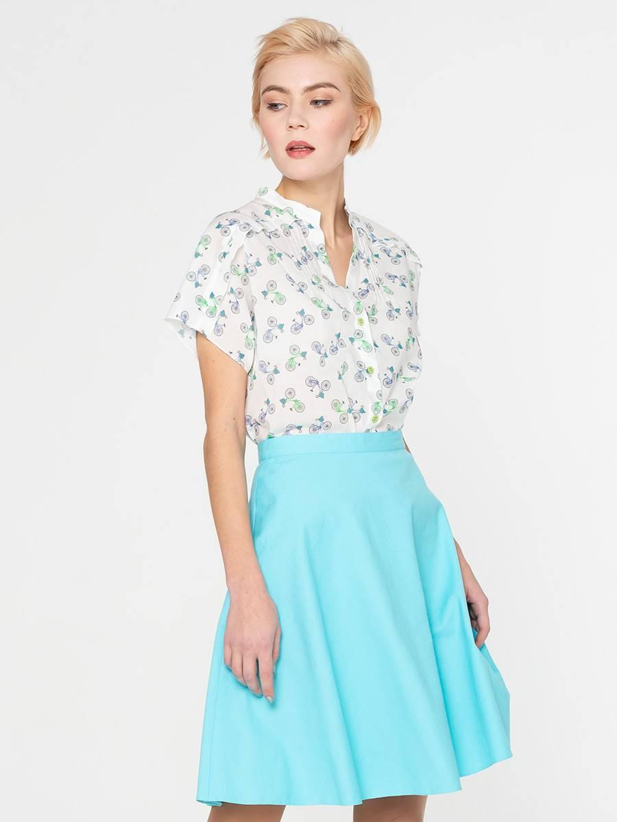 Блуза Г596-730 - Хлопковая рубашка с короткими цельнокроеными рукавами и аккуратным воротничком стойкой. Натуральная хлопковая ткань позволяет коже дышать, приятна для тела и комфортна в ношении. А оригинальный принт не оставит вас незамеченной. Блуза хорошо будет смотреться  с джинсами, брюками,  юбками или шортами.