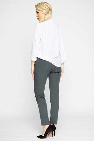 """<p><span>Очень удобные офисные брюки с карманами. Пояс на резинке. Отлично сочетаются с жилетом """"Бланка"""" из новой осенней коллекции 2020.</span></p>"""