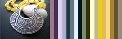 цветовая палитра для одежды под это янтарное колье