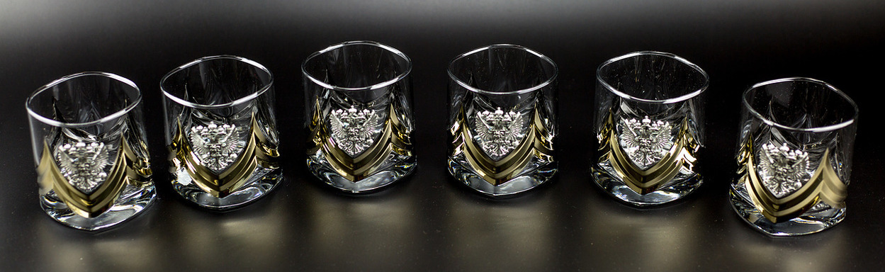 цена Подарочный набор стаканов для виски «Власть», Триколор онлайн в 2017 году
