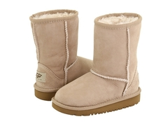 /collection/kids-classic-short/product/ugg-kids-classic-sand