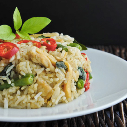 https://static-ru.insales.ru/images/products/1/2518/105015766/green_curry_rice.jpg