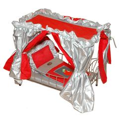 Gulliver Кроватка с балдахином для куклы (красная с сяблочком) со светящимся логотипом (568B)