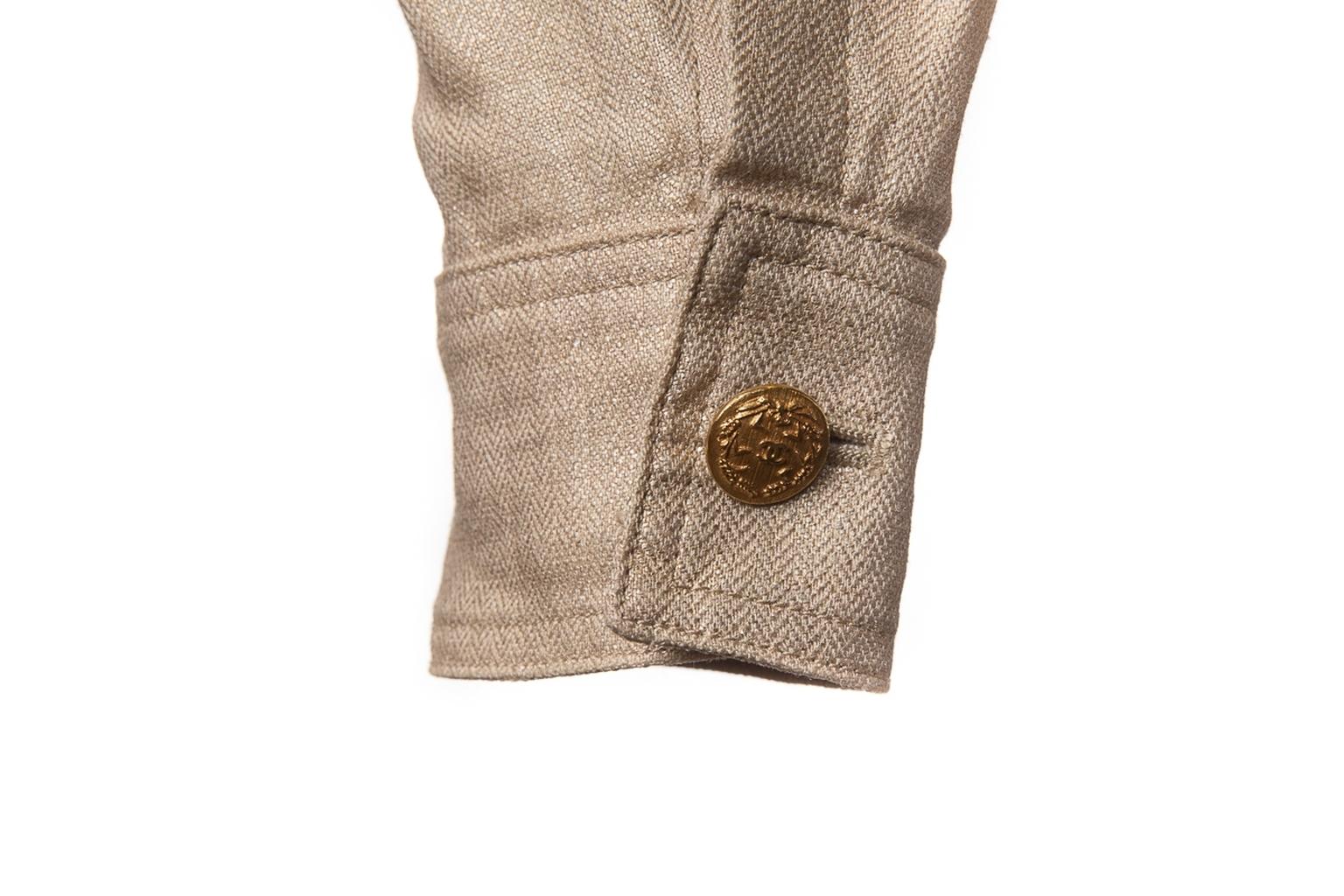 Классический льняной жакет золотистого цвета от Chanel, 38 размер.