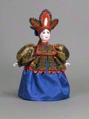 Сувенирная кукла в русском костюме