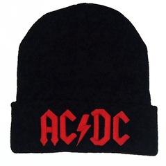 Вязаная шапка с отворотом и вышивкой AC DC (Эйси Диси) черная с красной вышивкой