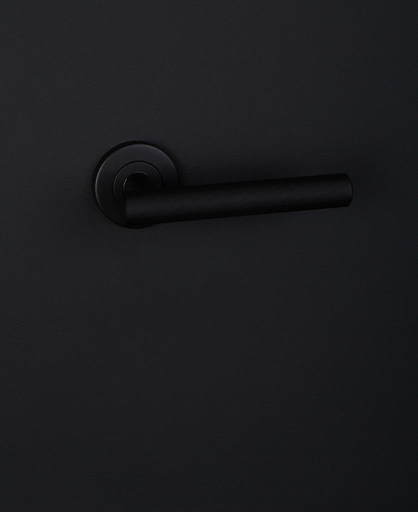 Дверные ручки Дверная ручка D41 Kramer-Door-Handle-Black.jpg