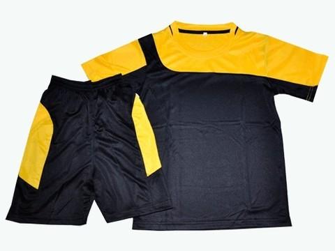 Форма футбольная. Цвет черный с желтым. Размер 48. :(Ке001):