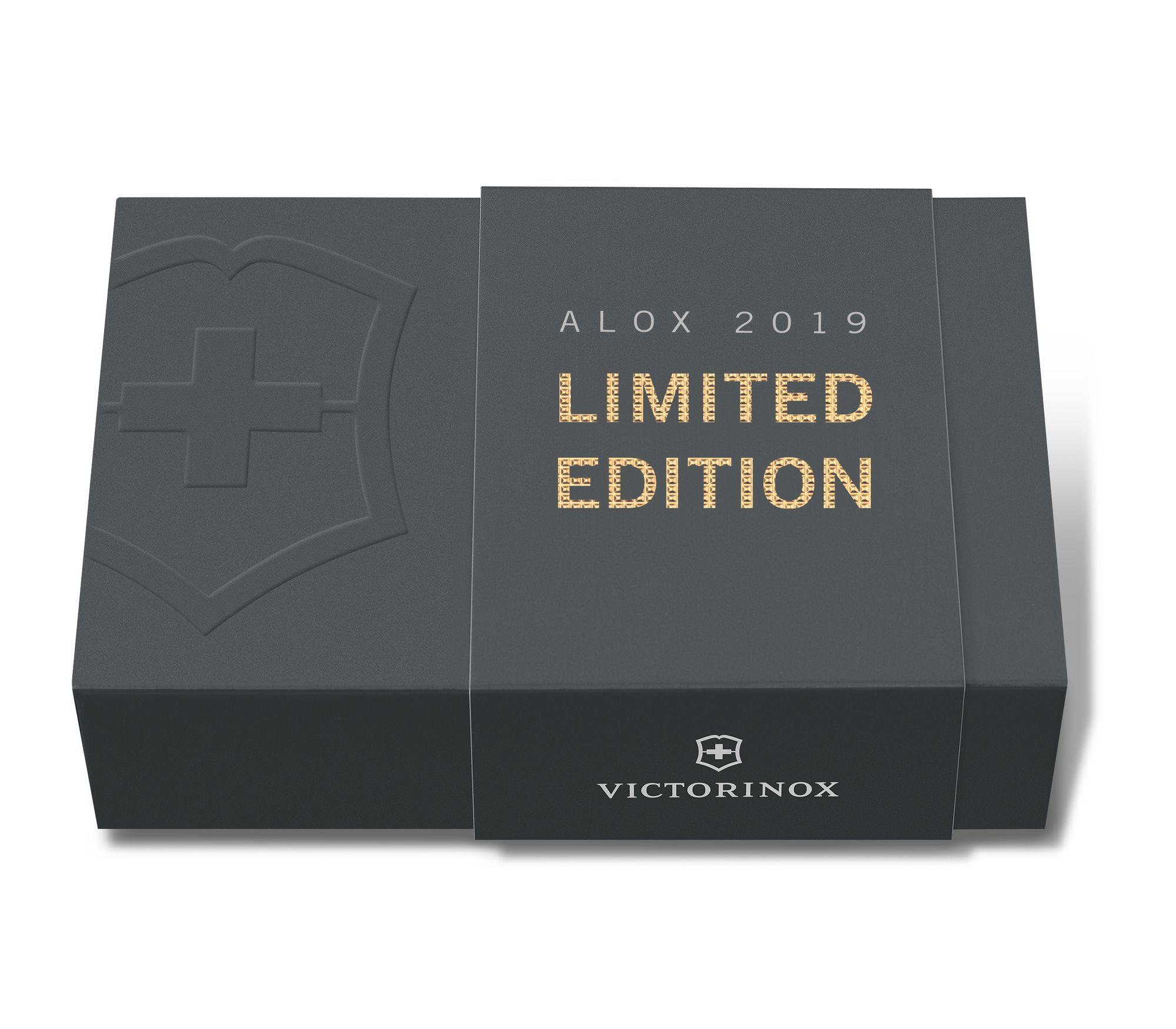 Складной нож Victorinox Cadet Alox Champagne-Gold Limited Edition 2019 (0.2601.L19) лимитированное издание, подарочная упаковка - Wenger-Victorinox.Ru