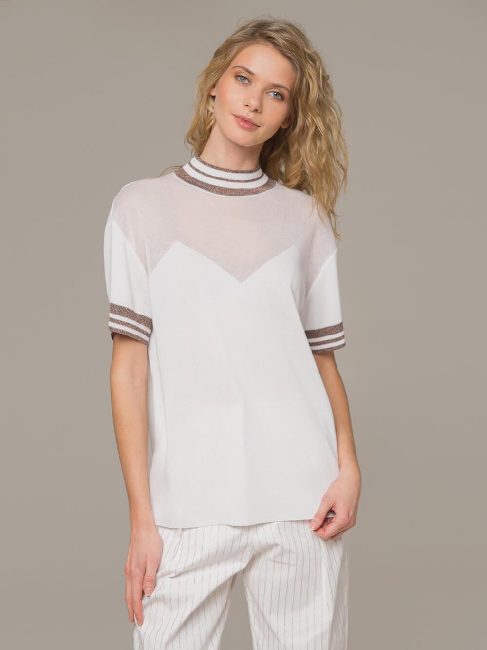 Женский белый джемпер с коротким рукавом и контрастными вставками - фото 1