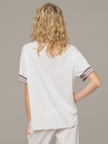 Женский белый джемпер с коротким рукавом и контрастными вставками - фото 3