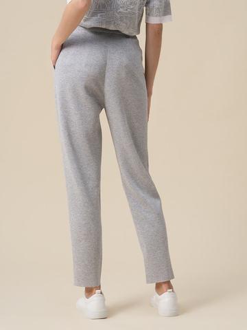 Женские брюки с защипами серебряного цвета из вискозы - фото 4