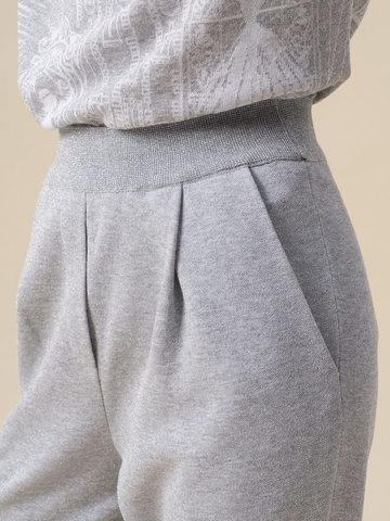 Женские брюки с защипами серебряного цвета из вискозы - фото 3