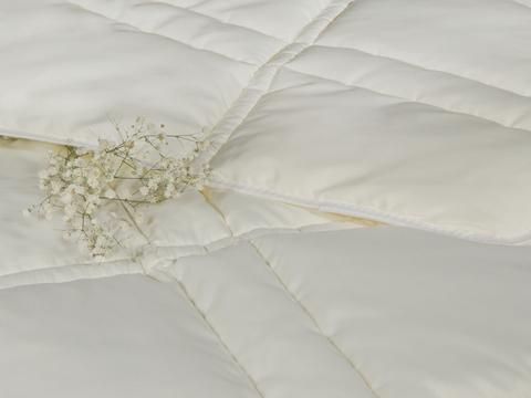 Одеяло CASABEL/Силикон кремовый, 150 gr/m2
