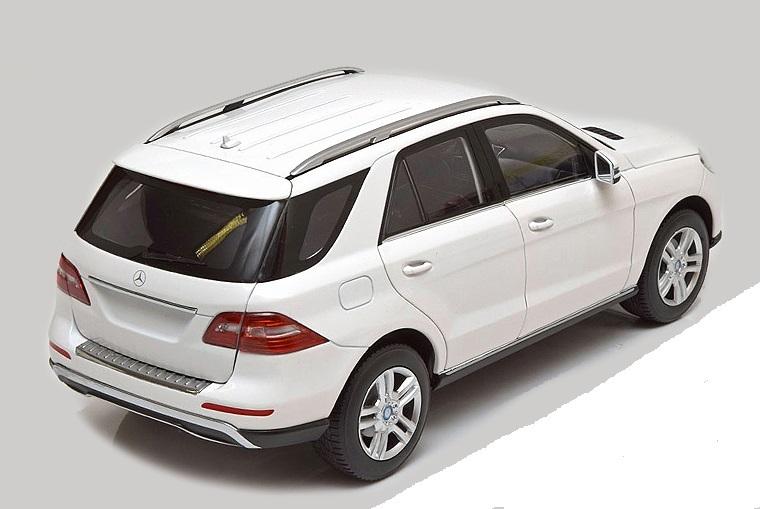 Коллекционная модель Mercedes-Benz W166 ML 2011