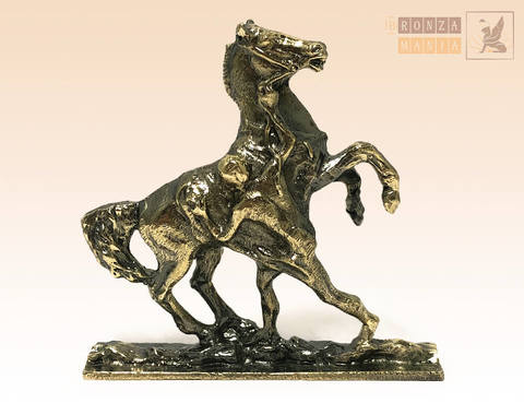 фигурка Аничков мост, Укротитель коней в наклоне