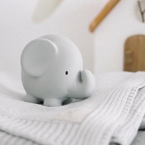 Игрушка из каучука Слон