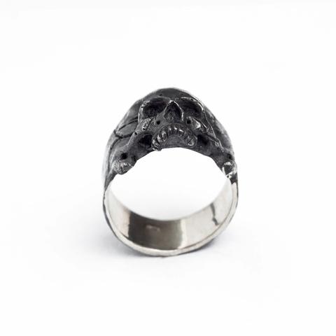 Кольцо с небольшим черепом