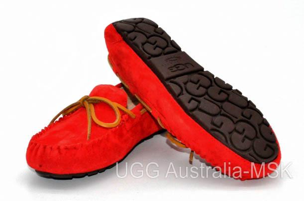 UGG Women's Dakota Red