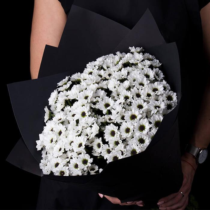 Купить букет 9 черно белых хризантем Инь Ян в Перми