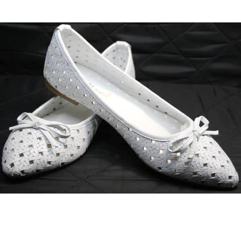 Летняя обувь женская. Белые туфли - остроносые балетки с перфорацией Vasari Gloria White2.