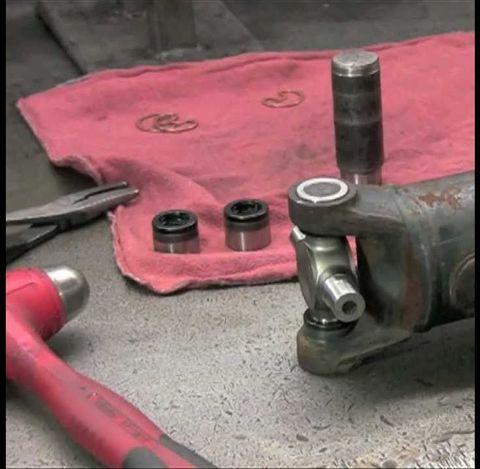 Замена крестовин карданного вала Pajero 4
