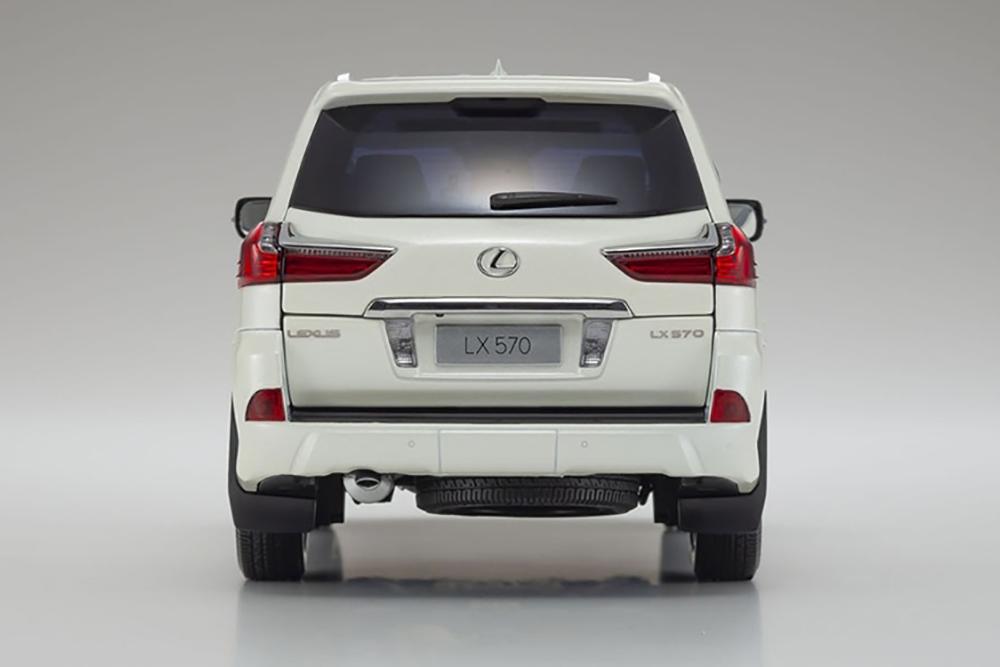 Коллекционная модель LEXUS LX570 2020 WHITE
