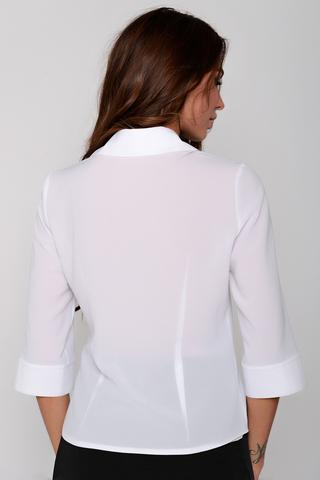 Офисная блузка приталенного силуэта. Рукав 3/4 на манжете. Ворот отложной на стойке. Застежка - планка на пуговицах.(Длины: 44=55см; 46=55см; 48=56см; 50=57см)