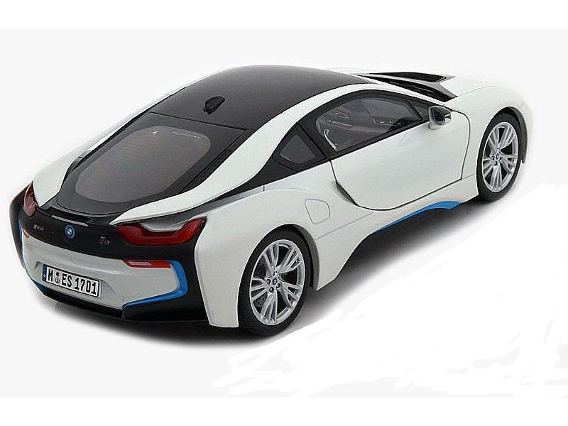 Коллекционная модель BMW i8 (i12) 2014