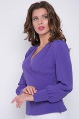 <p>Шикарная блузка полуприлегающего силуэта с запахом и баской. Застежка на потайную молнию в боковом шве. Рукав пышный на высоком манжете. Длина: 44-56см, 46-57см, 48-59см, 50-60см.</p>