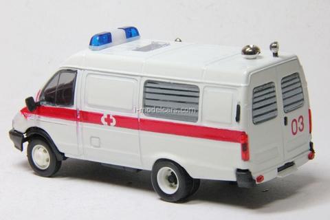 GAZ-3221 Gazelle Ambulance second facing Agat Mossar Tantal 1:43
